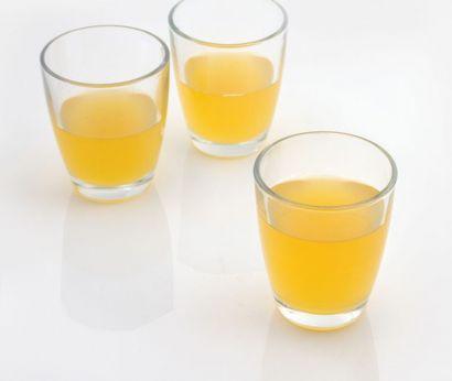 Saft aus Ananas und Mango